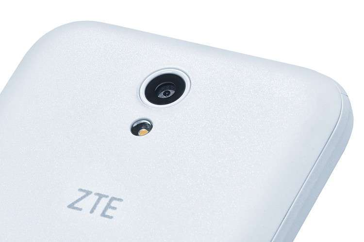 ZTE Blade L110 основная камера