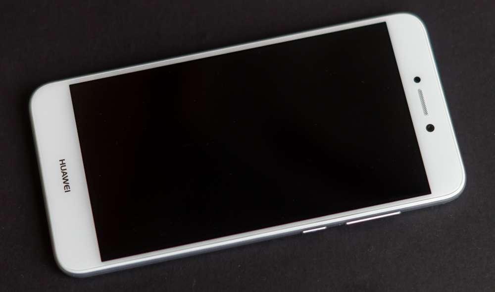 Huawei P8 Lite внешний вид