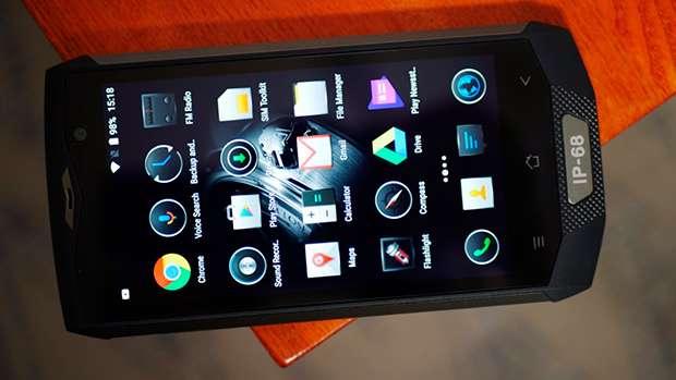 Blackview BV8000 Pro экран