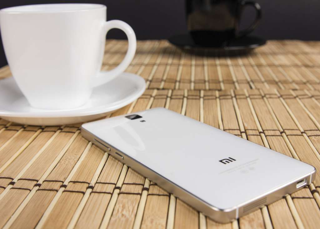 Задняя панель Xiaomi Mi4