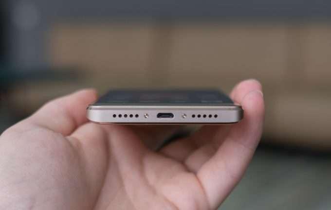 Xiaomi Redmi 4 Prime нижняя грань