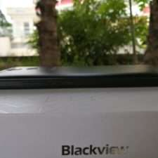 Blackview P2 левый торец