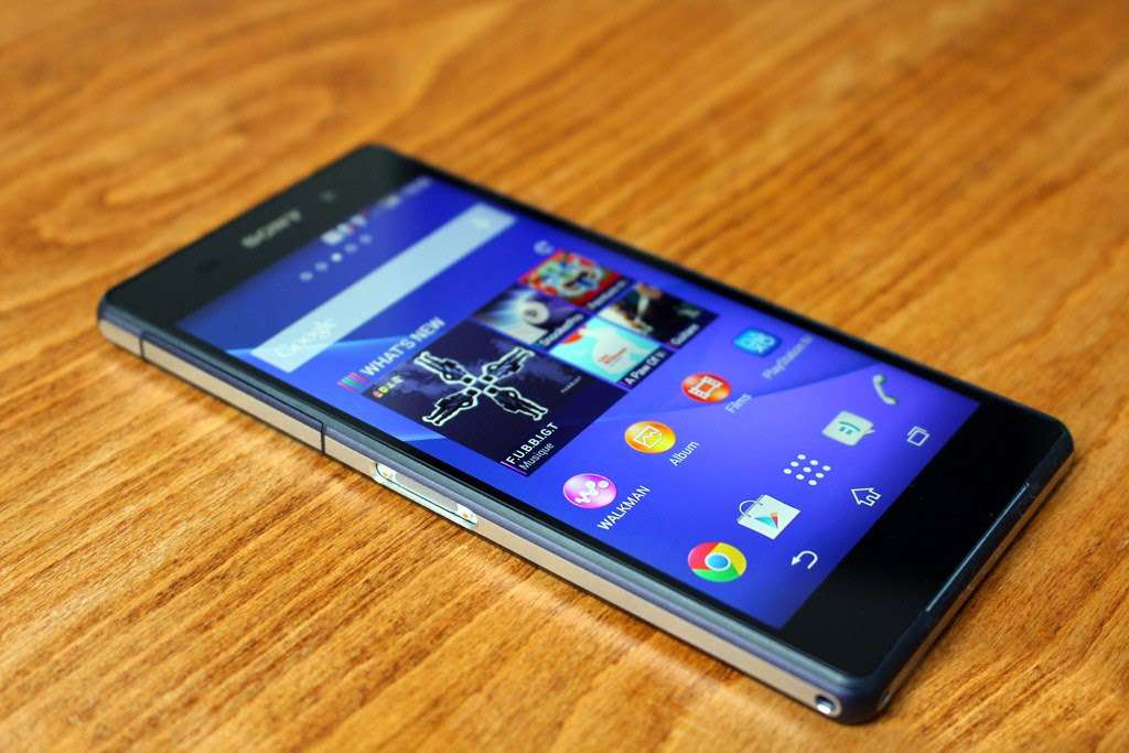 Sony Xperia Z3 Compact дисплей
