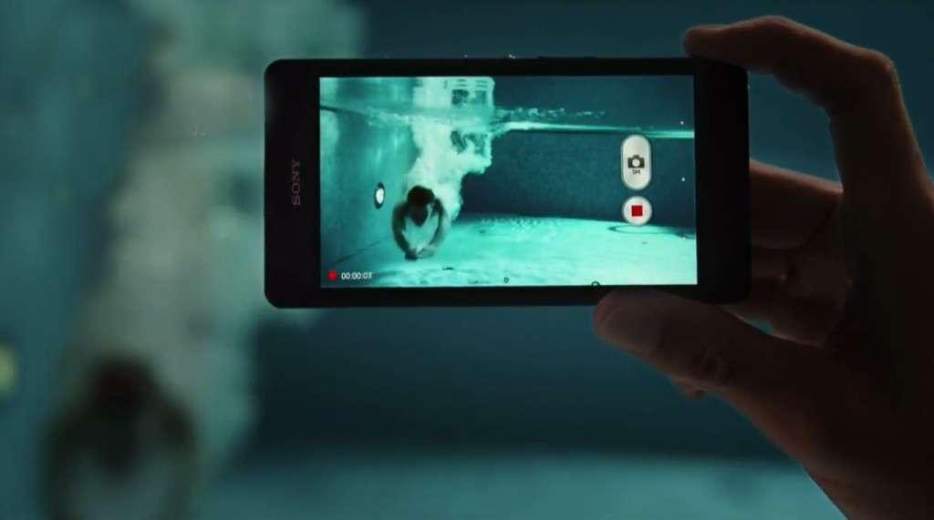 Видео на смартфоне Sony Xperia ZR