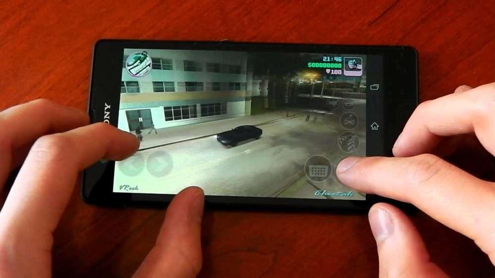 Игра на смартфоне Sony Xperia ZR