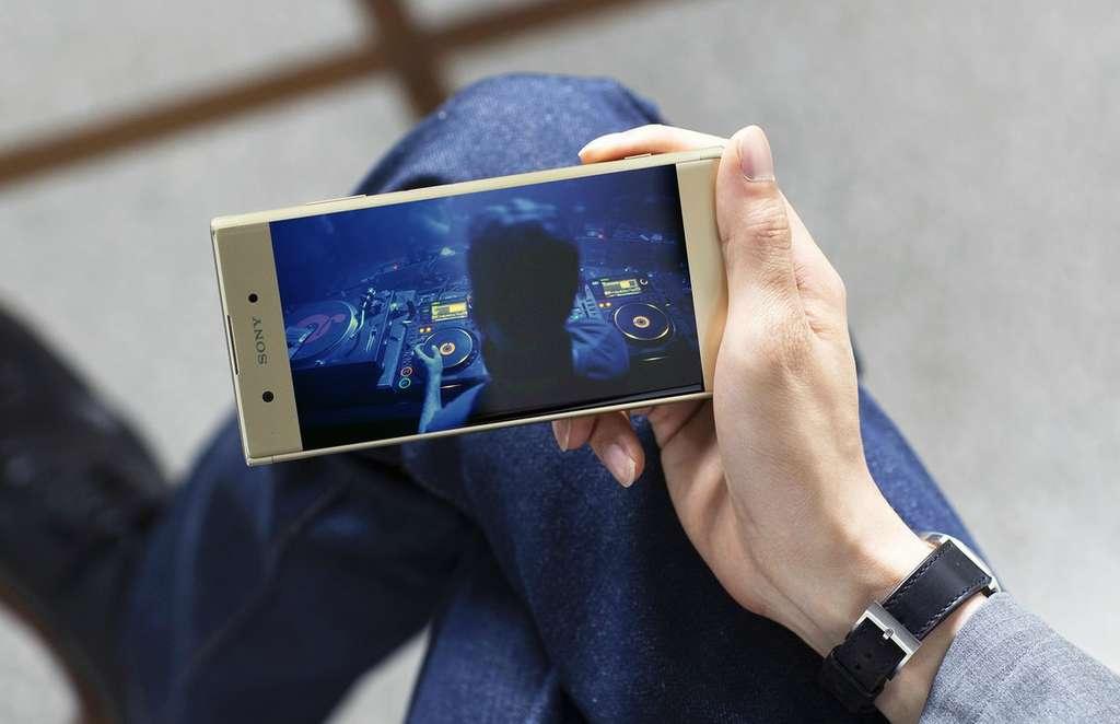 Дисплей Sony Xperia XA1 Plus