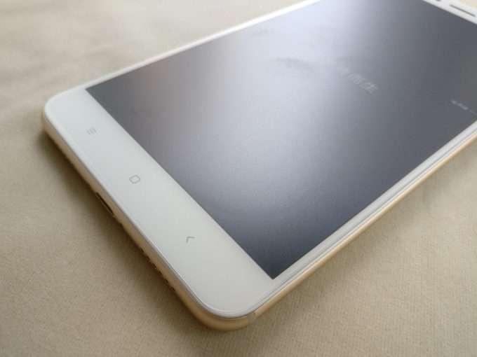 фронтальная сторона Xiaomi Mi Max 2