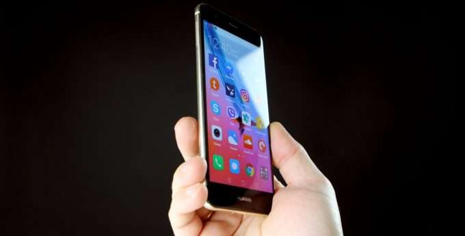 Huawei Nova дисплей