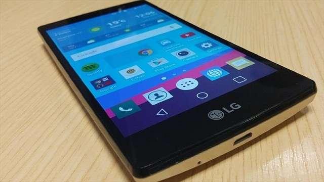 дисплей LG G4c