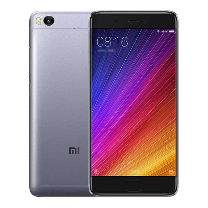 лицевая часть и задняя панель смартфона Xiaomi Mi 5s