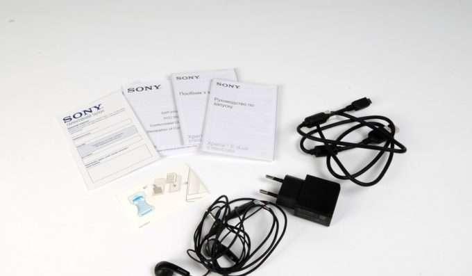 Sony Xperia E комплект поставки