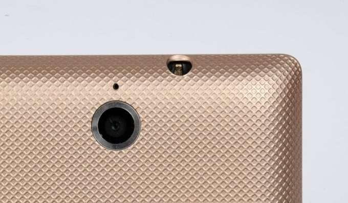 Sony Xperia E камера