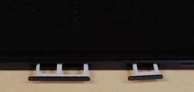 Слоты под SIM-карты LG Q6