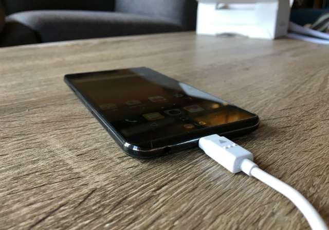 LG X Cam зарядка