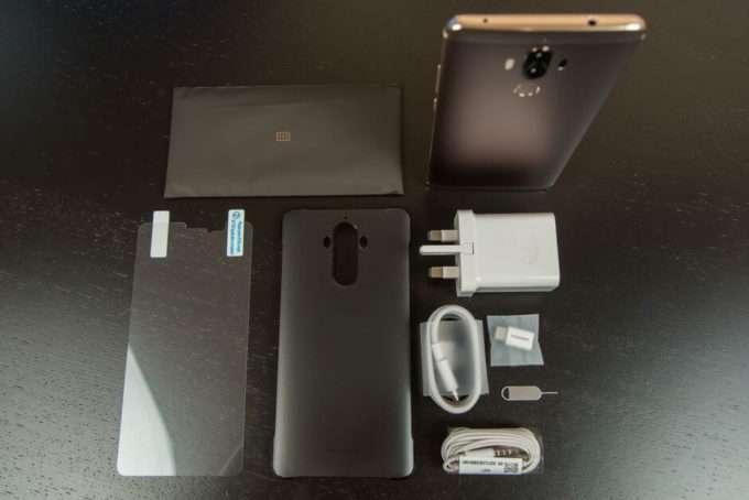 Huawei Mate 9 комплект поставки