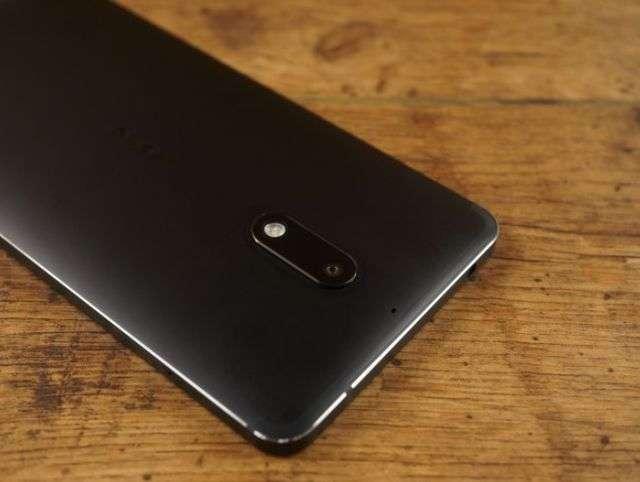 Тыльная сторона Nokia 6