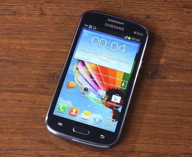Фронтальная часть Samsung Galaxy Core