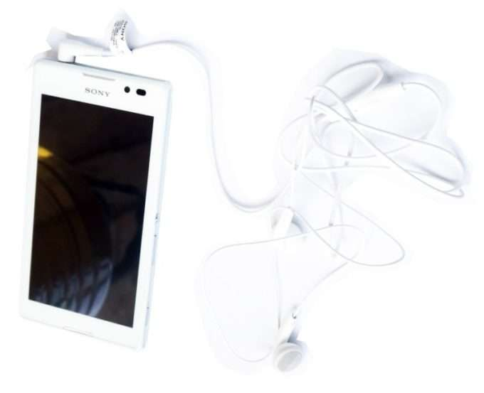 Sony Xperia C наушники