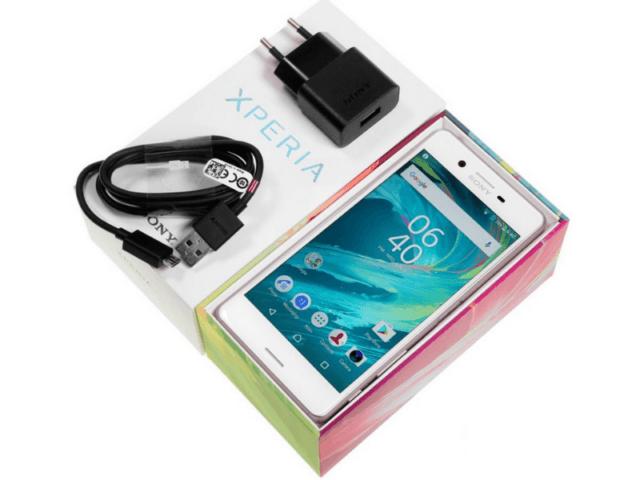 Комплектация Sony Xperia X