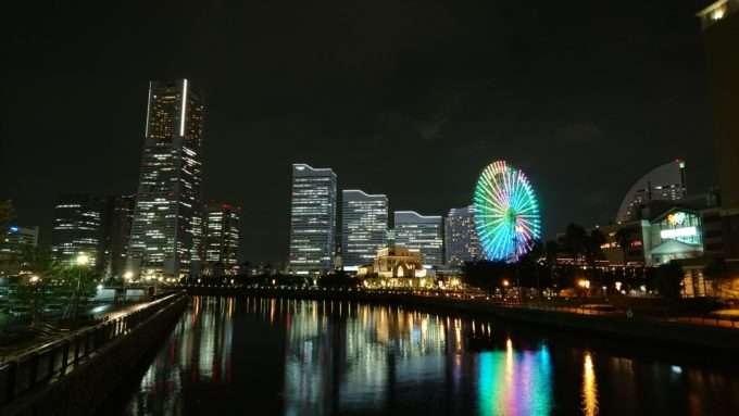 Sony Xperia Z5 Premium пример фото на основную камеру в ночное время