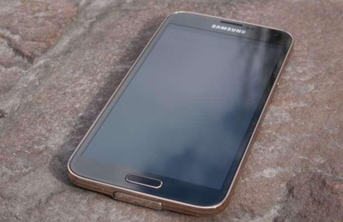 Обзор Samsung Galaxy S5 дисплей
