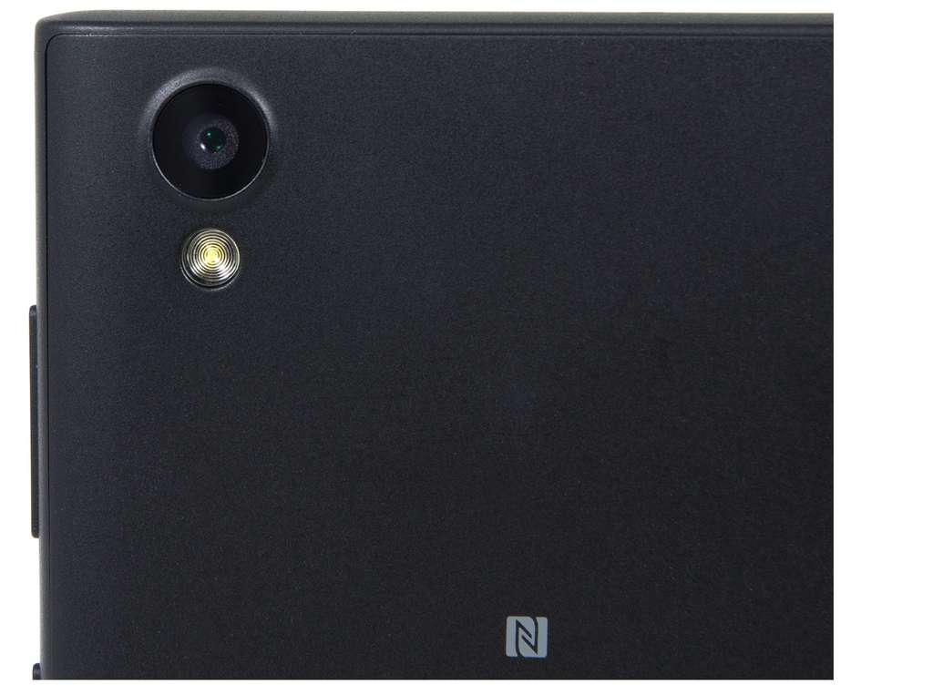 Основная камера имеет модуль 13 Мп.