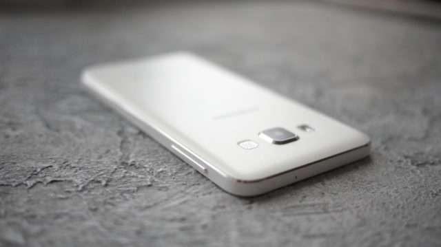 Верхний торец Samsung Galaxy A3