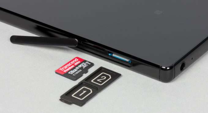 Sony Xperia Z5 Premium слот для SIM карт