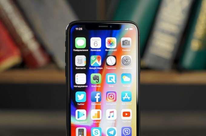 дисплей смартфона iPhone X