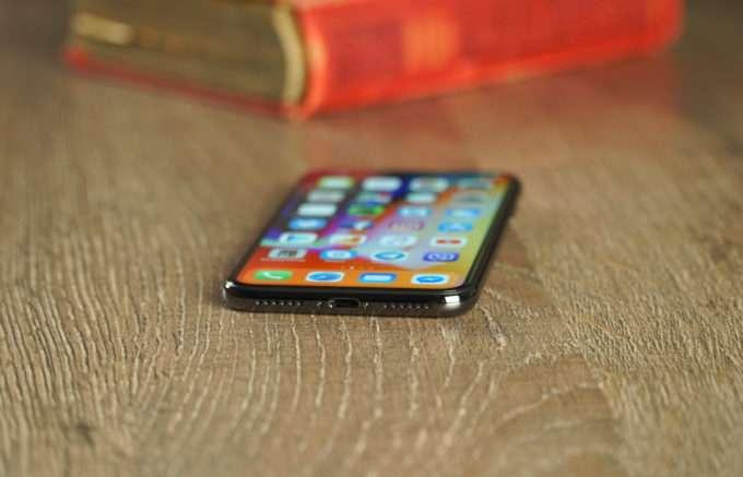 динамики смартфона iPhone X