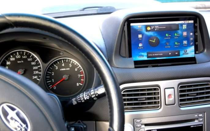андроид в машине
