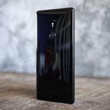 Sony Xperia XZ2 тыльная сторона