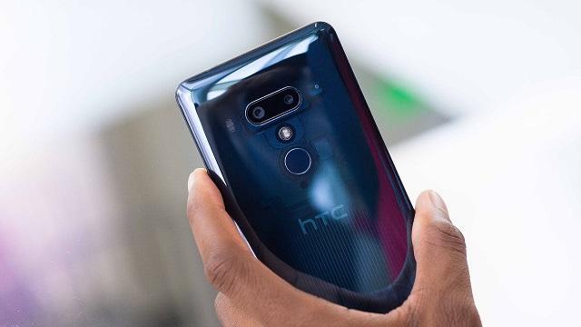 HTC U12+ камера