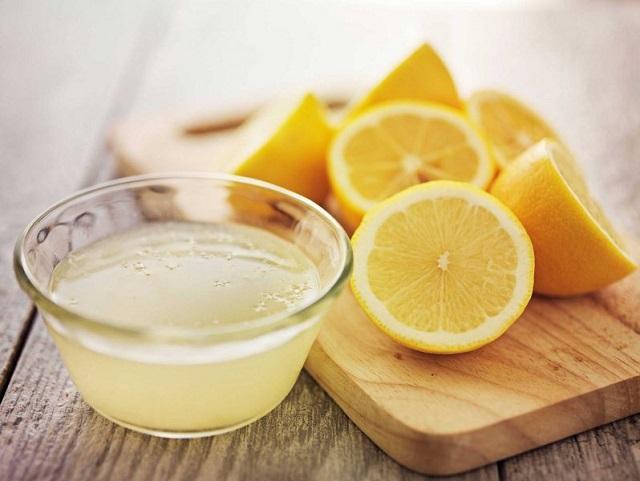 лимонный сок и лимоны