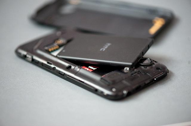 телефон со съемной батареей