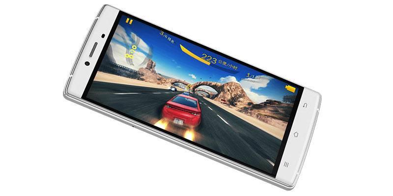 Игра в гонки на смартфоне с помощью гироскопа