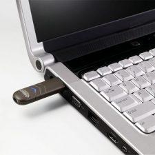 флешка в ноутбуке