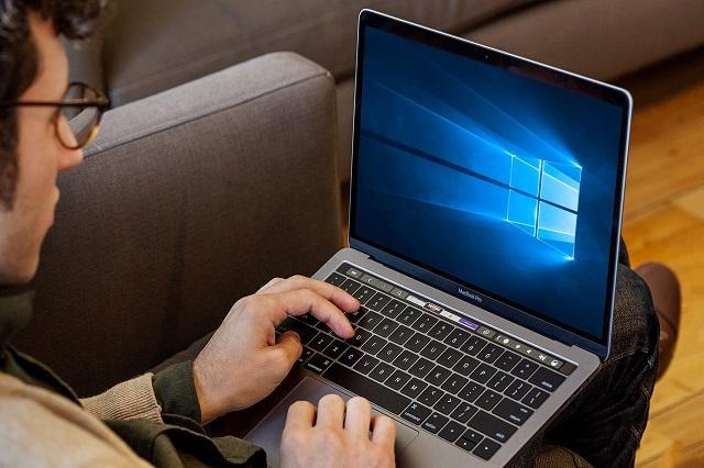 работа на ноутбуке с Windows 10