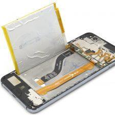демонтаж батарейки Huawei P10 Lite